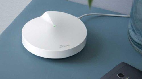 Hybridní meshový Wi-Fi systém s powerline