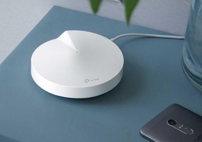 Hybridní meshový Wi-Fi systém Deco P7